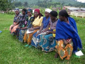Quelques mamans d'anciens enfants des rues membres de l'association de parents Tabarabana au Rwanda