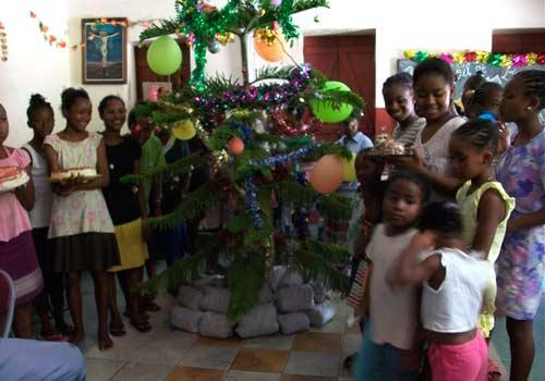 Fête de Noël à l'orphelinat de l'Ile Ste Marie à Madagascar