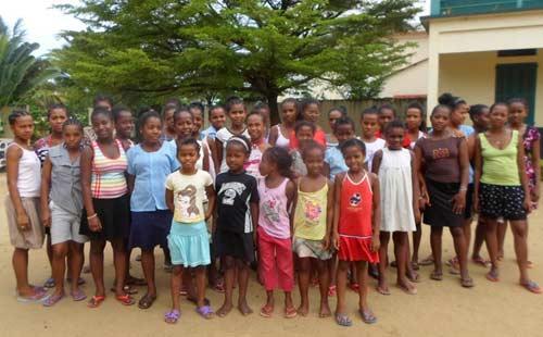 Les enfants de l'orphelinat d'Antalaha à Madagascar