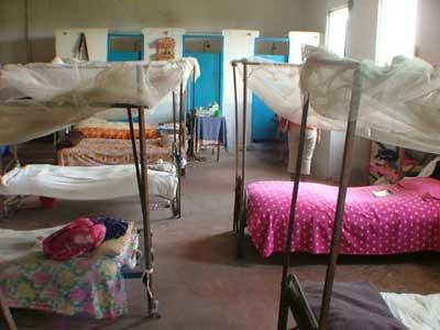 Dortoir de l'orphelinat St Louis de Gonzague à Antalaha
