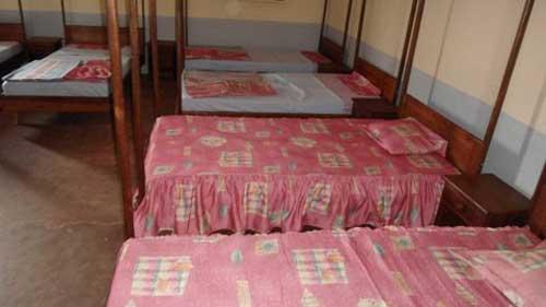 Les nouveaux lits du dortoir de l'orphelinat d'Antalaha