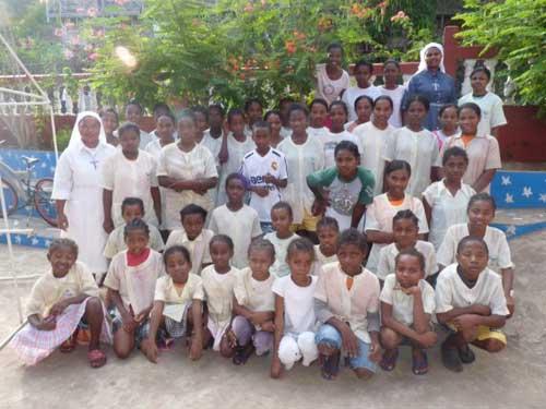 Les enfants de l'orphelinat de lIle Ste Marie