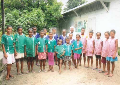 Les enfants de l'orphelinat d'Amboangibé à Madagascar