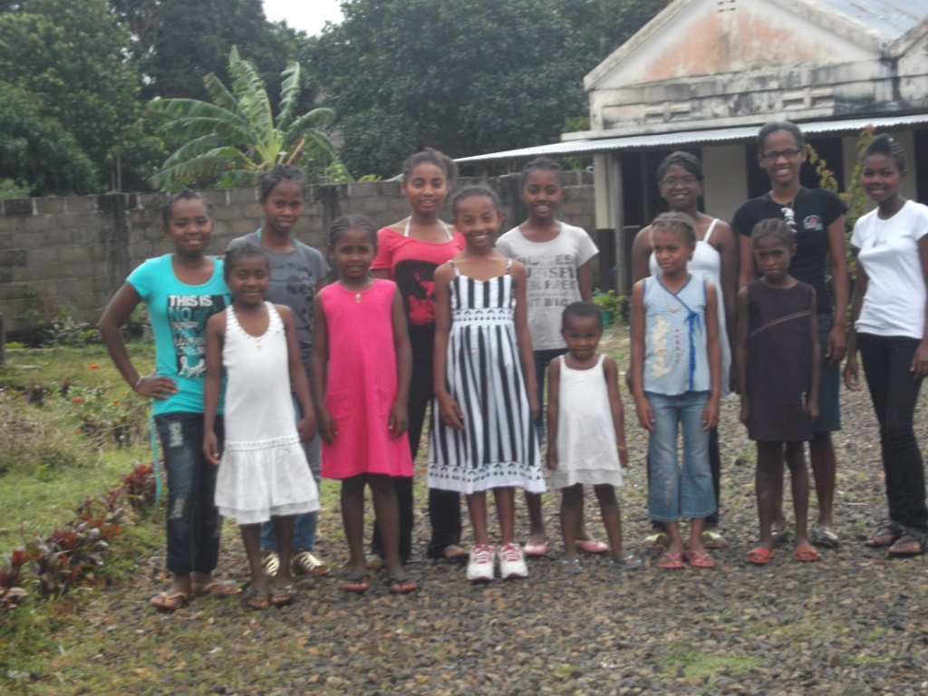 Enfants de l'Orphelinat de Sambava à Madagascar