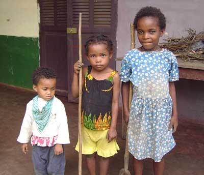 Orphelins de l'orphelinat d'Antalaha