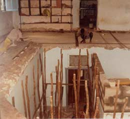 Réfection du plancher des dortoirs de l'orphelinat de l'Ile Ste Marie