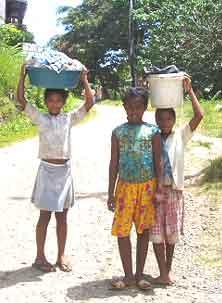 retour de lessive à l'orphelinat Saint Joseph