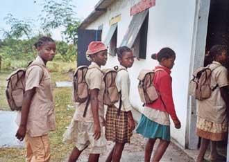 premier jour d'école à Madagascar