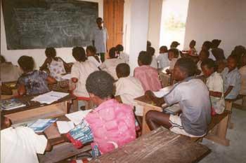 Ecole d'Ambodirafia à Madagascar, classe de monsieur Félix
