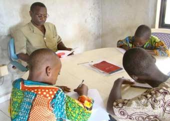 Soutien scolaire pour les orphelins en Afrique