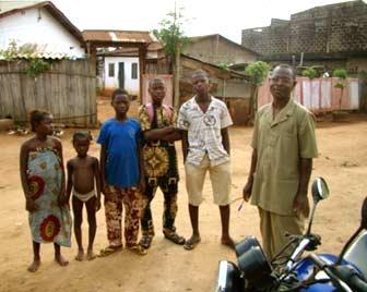 Suivi familial des orphelins