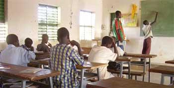 Cours de mise à niveau scolaire pour les jeunes en formation