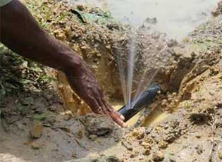 Canalisation percée, Fondaf Bipindi au Cameroun