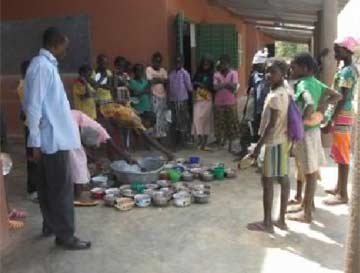 Cantine scolaire de l'école de Kouila, dans la région de Guiè au Burkina Faso