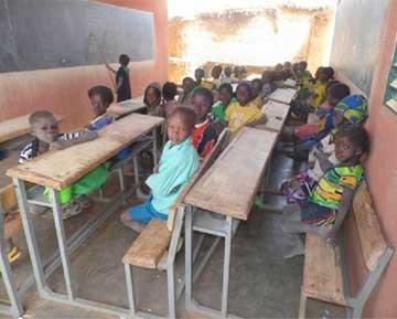 Classe de l'école primaire de Doanghin au Burkina Faso