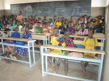 Classe d'école primaire dans la région de Guiè au Burkina Faso