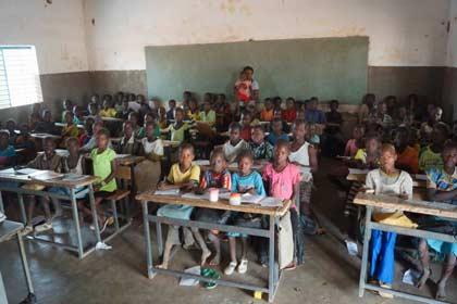 Classe de l'école de Kouila, dans la région de Guiè au Burkina Faso