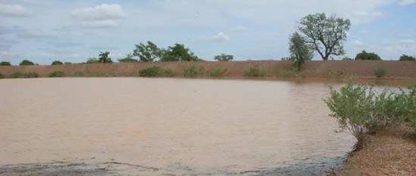 La retenue d'eau s'est remplie à la première pluie à Guiè Burkina Faso
