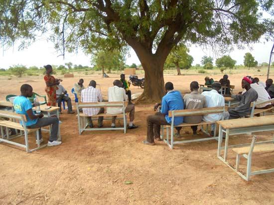 Choix de l'emplacement de l'école par les notables du village