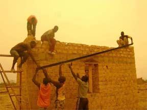 Construction des cases pour hôtes de passage, Ferme Pilote de Goèma, Burkina Faso