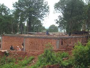 Travaux de maçonnerie, maternité de Kirundo