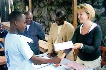 Remise des diplômes de menuiserie à Goma