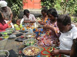 GJeunes mères victimes de viol suivant la formation à l'artisanat, RDC, Nord Kivu