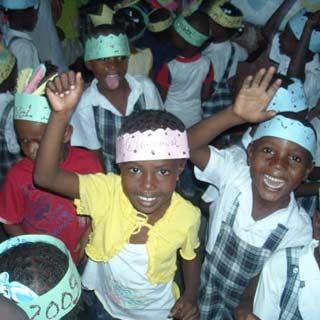 Le carnaval 2009 à l'école St Alphonse, bidonville de Cité Soleil, Haïti