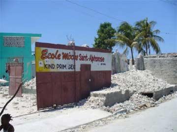 Séisme en Haïti, l'école St Alphonse de Cité Soleil a subi de gros dégâts, plusieurs bâtiments doivent être abattus