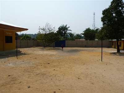Le terrain acheté pour construire le centre Ndako Ya Biso pour enfants de la rue à Kinshasa
