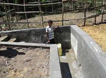 Ouvrage de maçonnerie de la source d'eau potable à  Kabweke au Nord Kivu en RD Congo