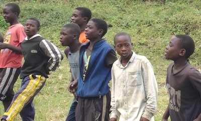 Les enfant des rues de Gisenyi au Rwanda
