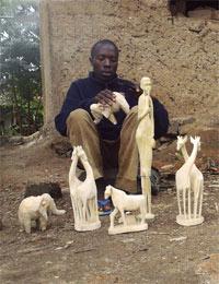 Activité artisanale d'un orphelin du sida au Rwanda