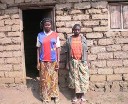 Orphelines au Rwanda