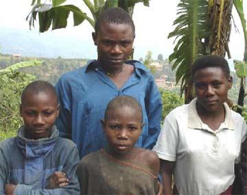 >Fratrie d'orphelins du Sida au Rwanda
