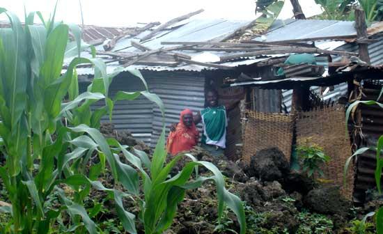 Maison en tôle d'un enfant des rues au Rwanda