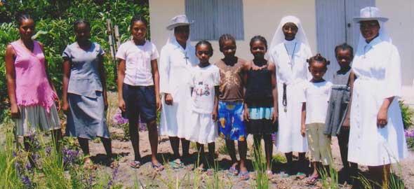 Orphelines de l'orphelinat de Sambava
