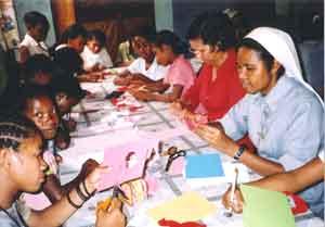 travaux manuels à l'orphelinat Saint Joseph