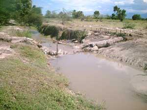 Le premier barrage en béton s'est effondré