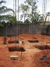 Fouille des fondations du château d'eau de Badja