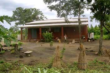 la maison de l'ouvrier agricole sur la plantation expérimentale de Kévé